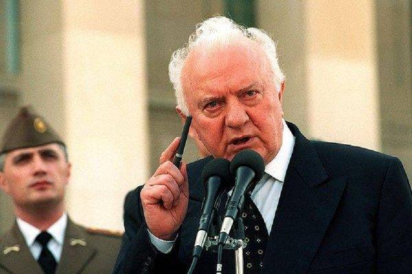 Экс-глава МИД СССР Шеварнадзе передавал информацию о советской армии моджахедам