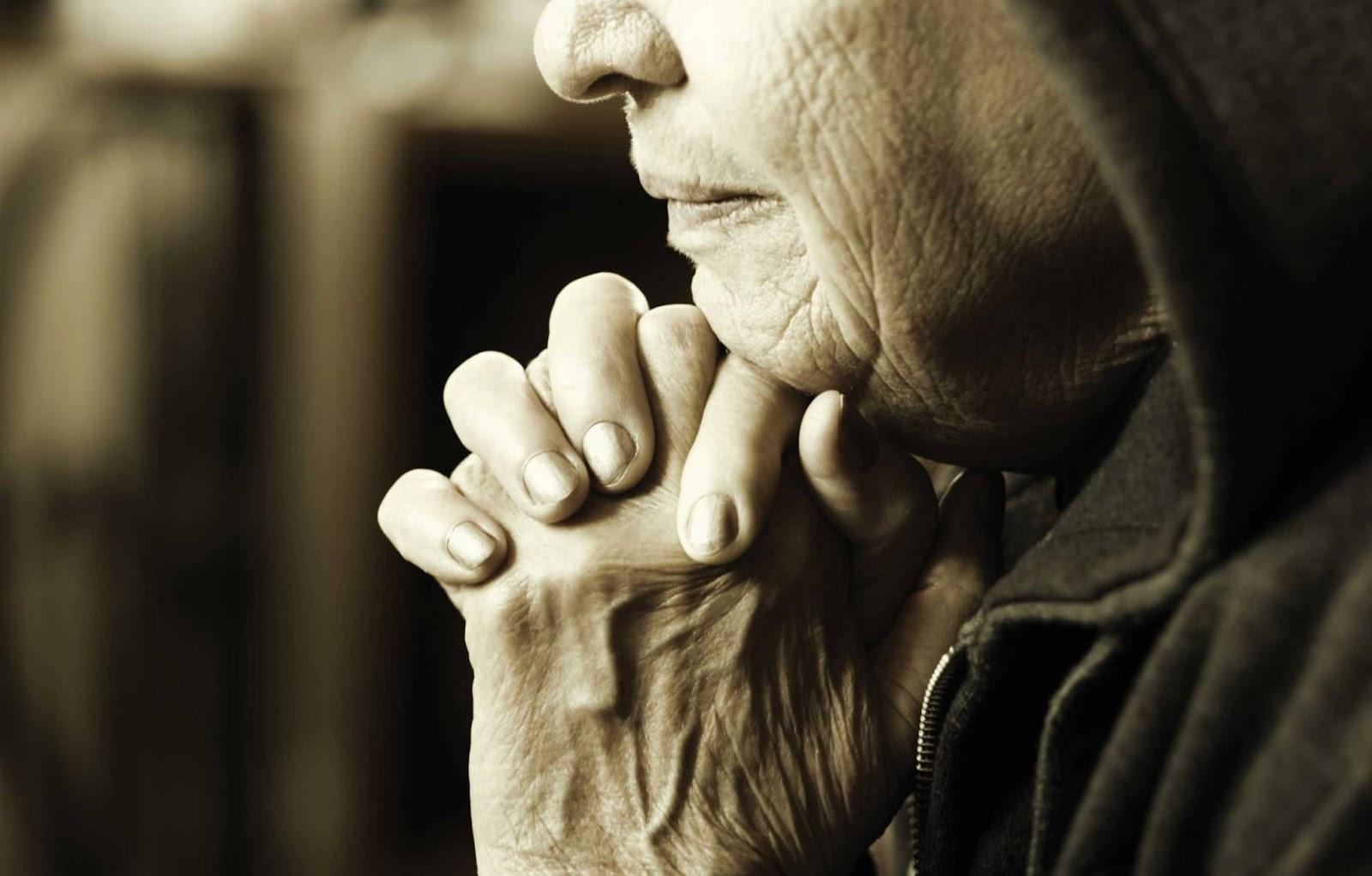 Ее муж не так давно скончался, и у нее нет другого выбора – 5 простых правил счастья от 92-летней женщины