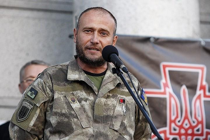 Ярош объявил о выводе двух своих батальонов с передовой в Донбассе