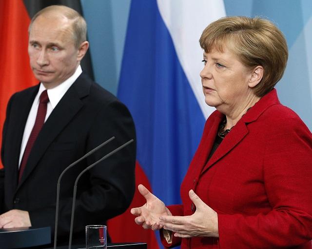 СМИ: Меркель сказала, что думает о Путине после личной встречи
