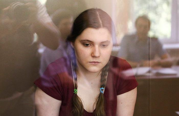 «Я думаю, завтра девочки поедут домой». Адвокат Павликовой — о ходатайстве следствия по делу «Нового величия»