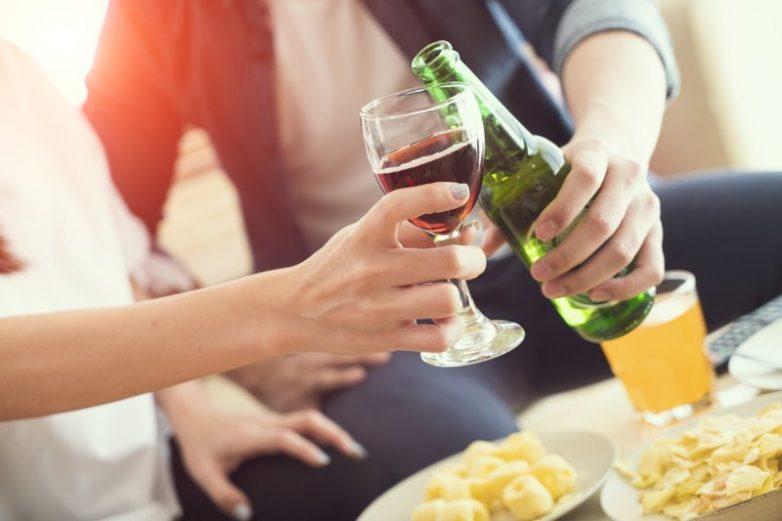 7 вещей, с которыми нельзя сочетать алкоголь