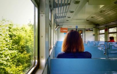 Мособлдума приняла закон о бесплатном проезде льготников на электричках
