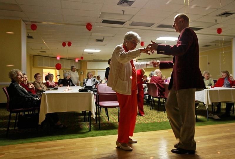 ТНТ запустит проект для пенсионеров «Дом 2: Новая любовь»