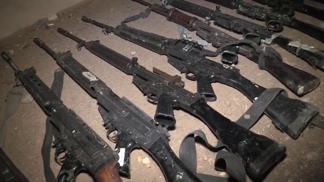 Путин осмотрел выставку захваченных у боевиков в Сирии образцов вооружений и техники
