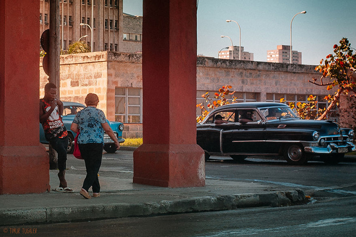i-spent-20-days-in-cuba-documenting-the-life-of-local-people-18__880
