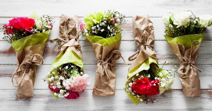 Как красиво упаковать один цветок