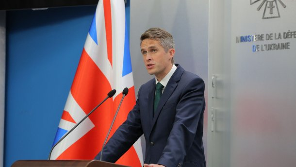 Великобритания увеличит военное присутствие на Украине