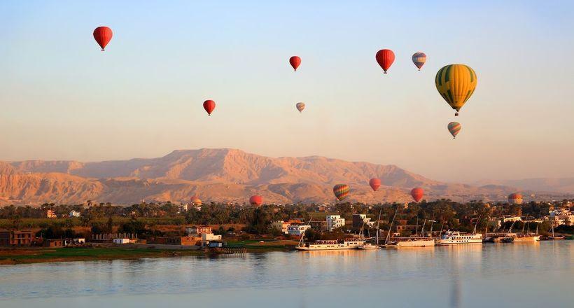 7 лучших мест планеты для полета на воздушном шаре, и сколько это стоит