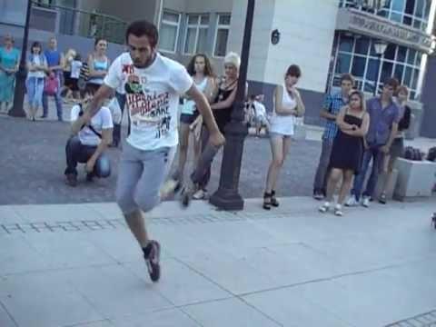 Основные виды современных танцев. Танец D'n'B Dance (Drum and Bass step)