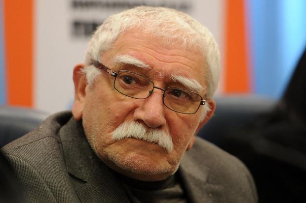 СМИ: у Армена Джигарханяна отказали ноги