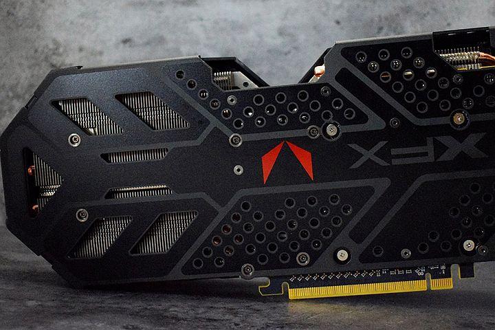 XFX представила нереференсную версию видеокарты Radeon RX Vega 56