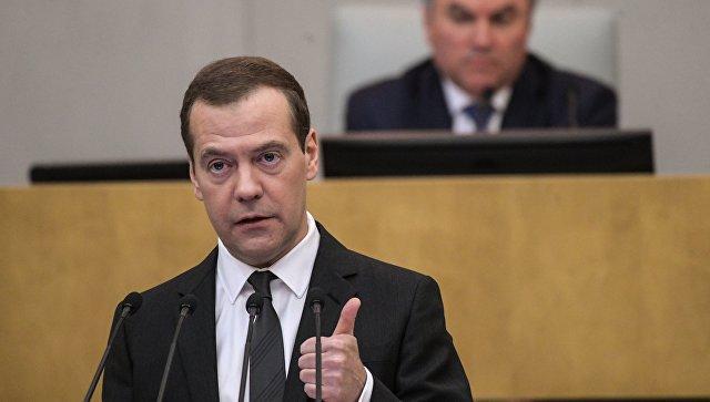 Мне просто жаль нашу российскую оппозицию. Сангвиник Медведев убедительно порвал её в клочья