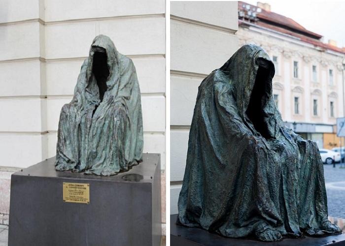 «Плащ Совести» — символ нематериального духа: История, скрывающаяся под пустым плащом