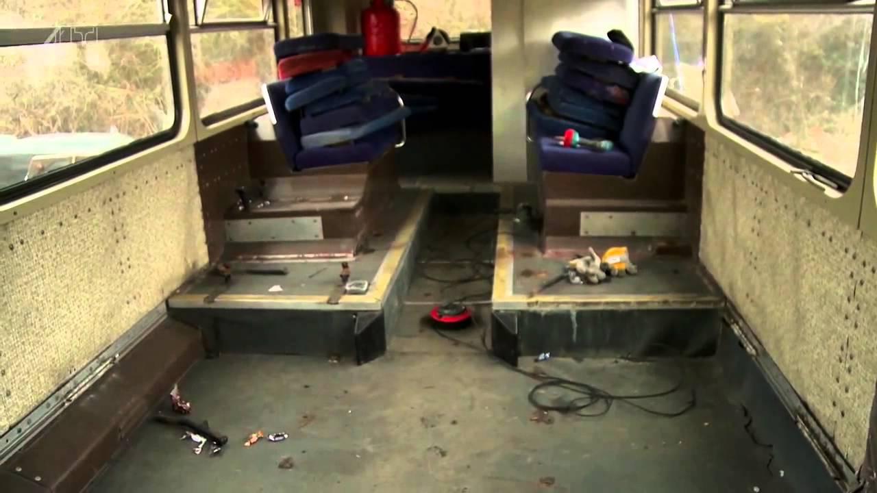 Плотник купил старый двухэтажный автобус и превратил его в потрясающий передвижной дом