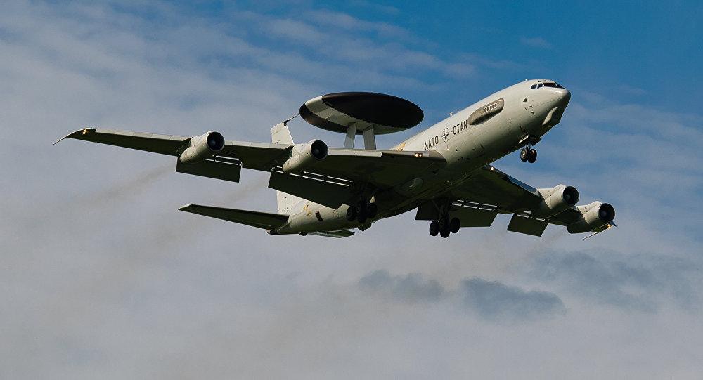 Авиация НАТО ведет разведку у границ России