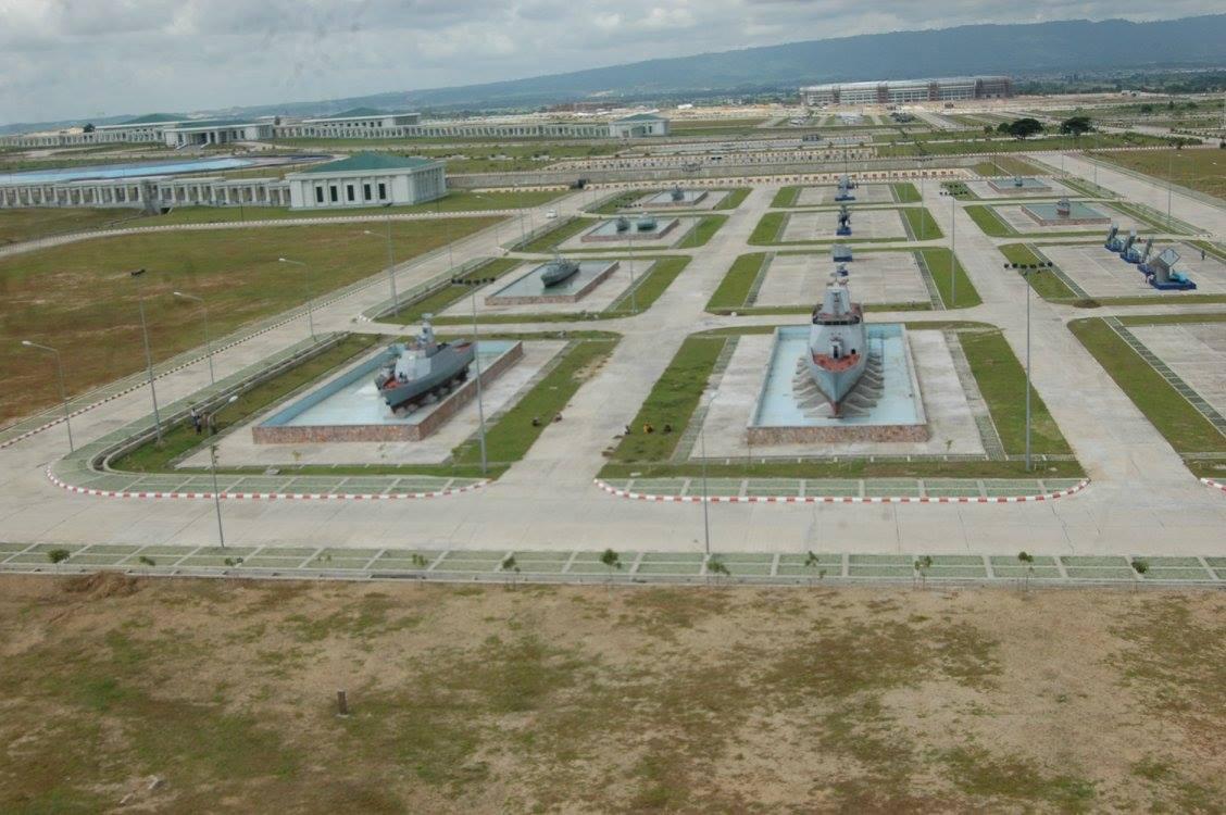 Корабли в Музее вооруженных сил Мьянмы