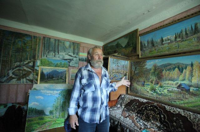 В 70 лет на велосипеде. Челябинец жил на перевале Дятлова, в лесу и пещерах