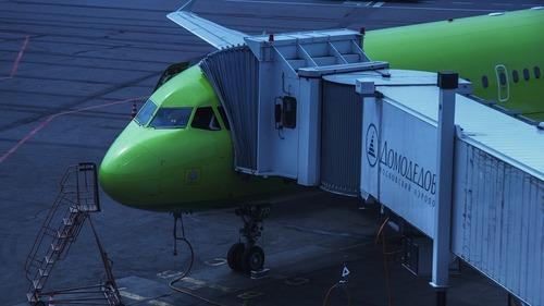 Самолет S7 экстренно сел в Тюмени из-за плохого самочувствия пассажирки