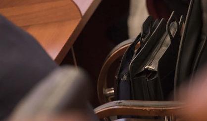 Торговля алкоголем в жилых домах поссорила депутатов парламента Карелии
