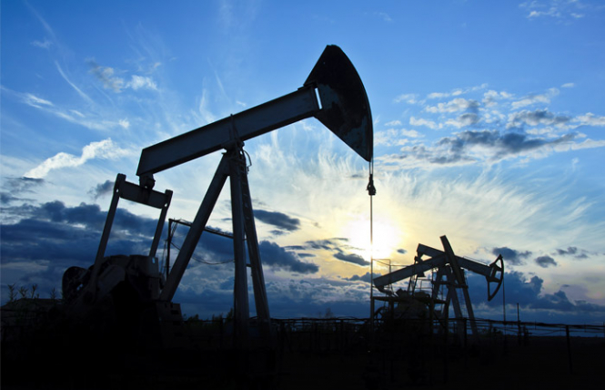 Нефть Brent дешевеет на пессимизме относительно мировой экономики