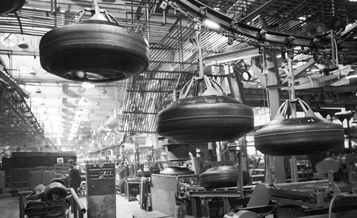 При СССР заводы работали, все были заняты, а теперь… понятно