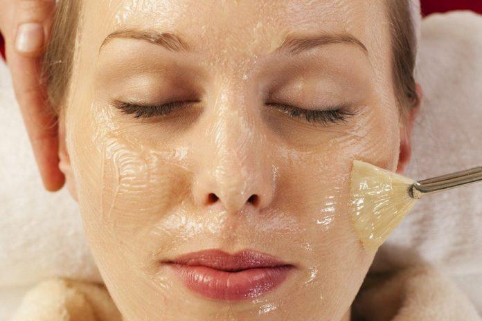 Домашний курс коллагенового омоложения для кожи лица и шеи!