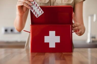 Картинки по запроÑу 8 копеечных лекарÑтв, которые должны быть в каждой аптечке