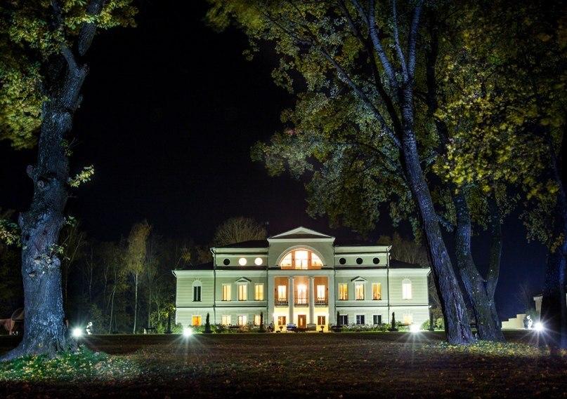 Сколько стоит новогодний отдых в исторических отелях России?