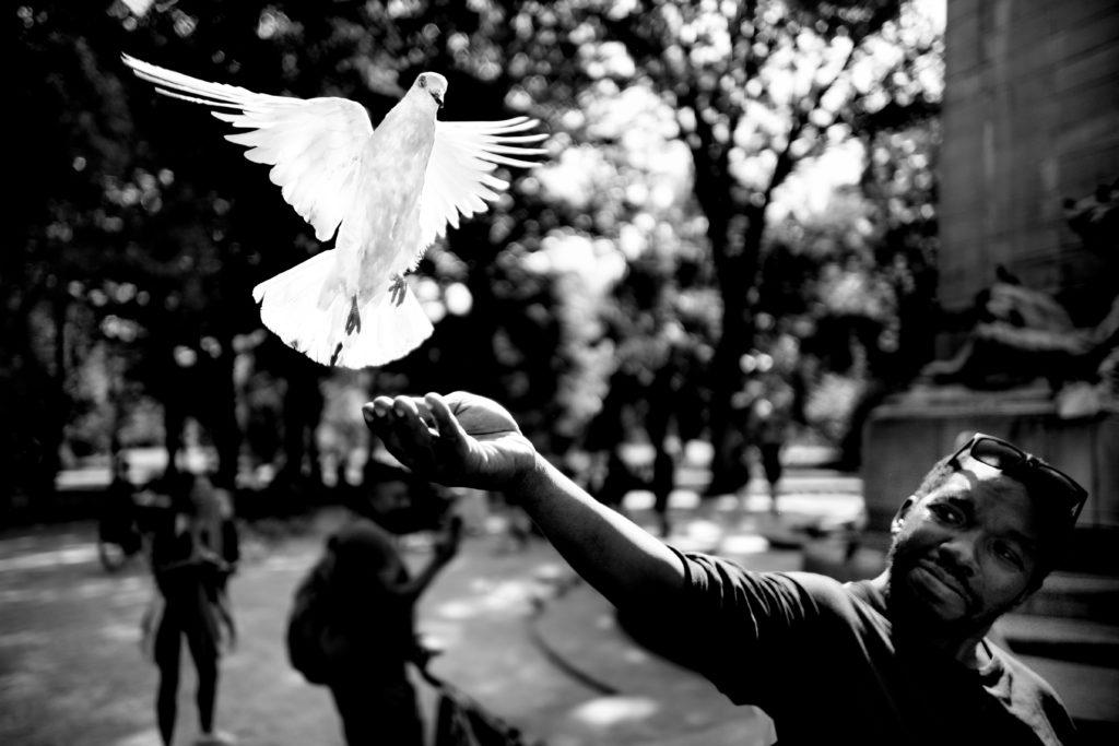 Черно-белая уличная съемка от именитого мастера стрит-фотографии Алана Шаллера