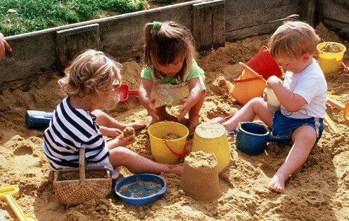 5 болезней, которыми дети могут заразиться в песочнице