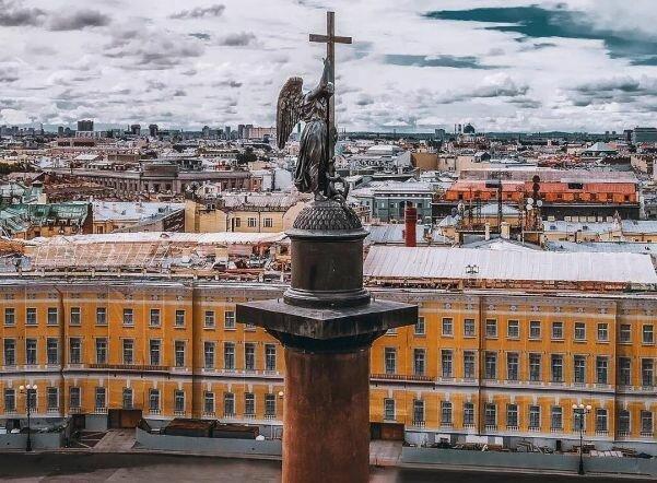 Самое высокое триумфальное строение в мире: 7 фактов об Александровской колонне на Дворцовой площади