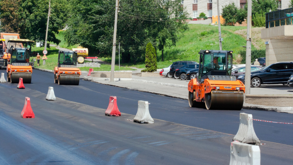 В регионах РФ будет построено и отремонтировано примерно 5 000 км дорог