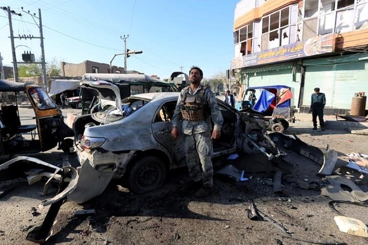 Талибы* атаковали здание полиции в Афганистане, погибли три стража порядка