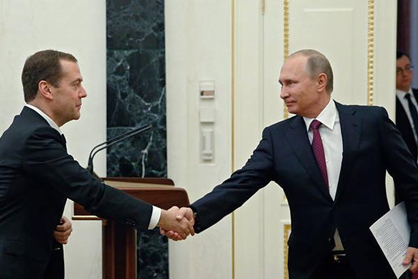 «Крокодиловы слезы»: политолог о поручении Путина оценить налоговую нагрузку на граждан