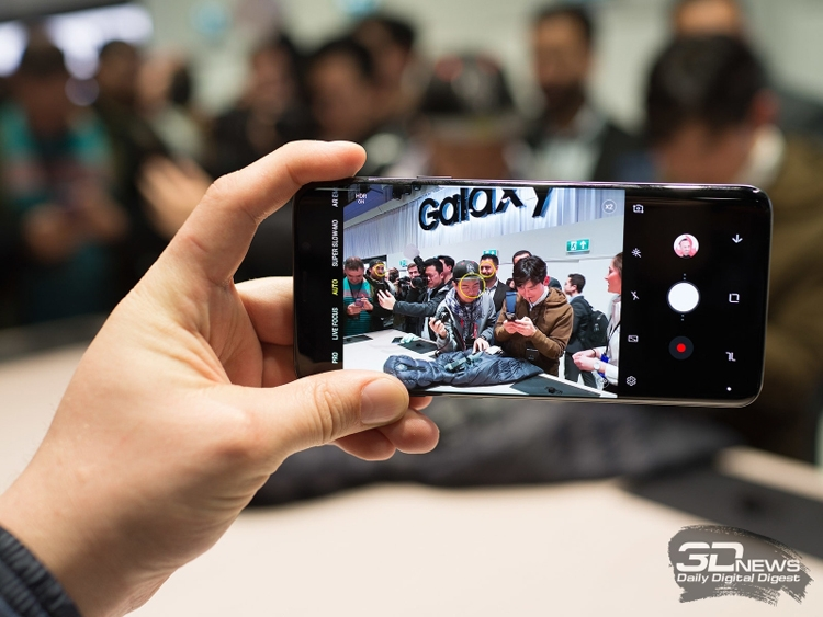 Смартфон Samsung Galaxy S10 …