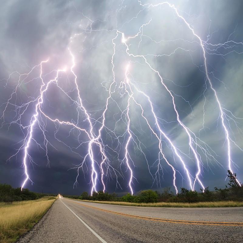 Потрясающие кадры гроз и штормов