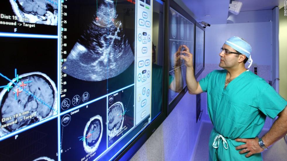 Все же они вызывают опухоль мозга: Излучение смартфонов измерили