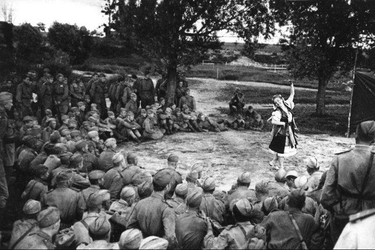 Как на фронте мотивировали солдат Красной Армии