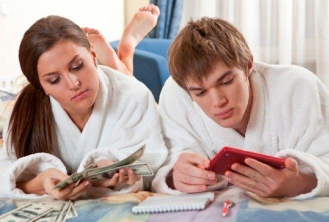 Почему деньги в семье должны храниться у жены — 5 причин
