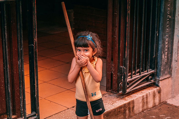 i-spent-20-days-in-cuba-documenting-the-life-of-local-people-23__880