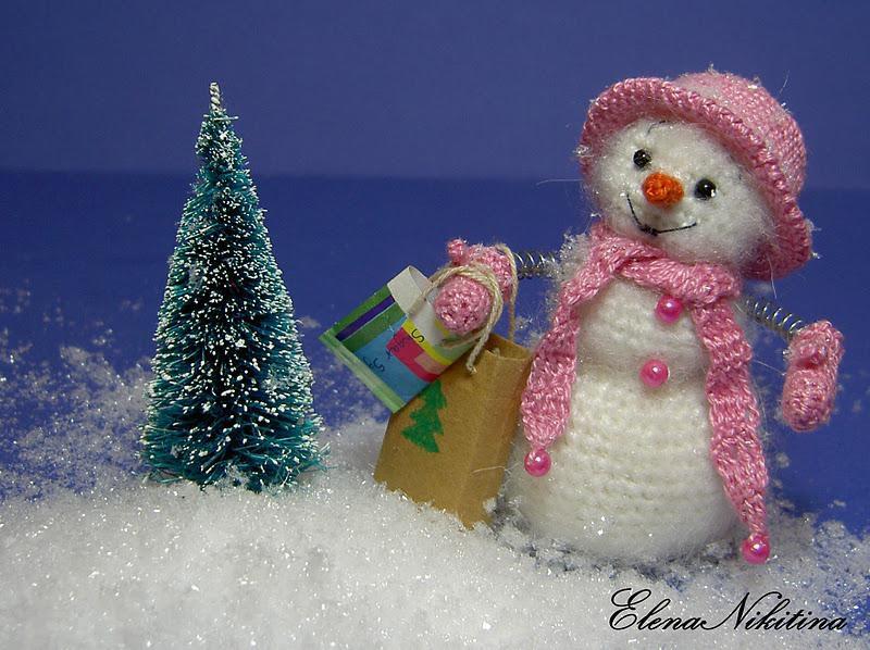Вязаные снеговики крючком (мастер-класс)