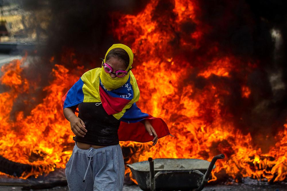 В Венесуэле разгорается гражданская война. США готовят интервенцию?