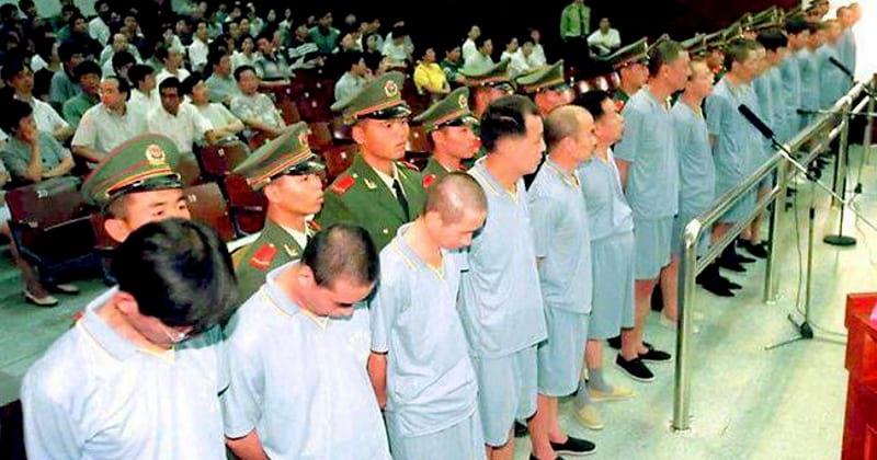 О том как в Китае борются с коррупцией! Может именно поэтому они развиваются, а мы топчемся на месте?