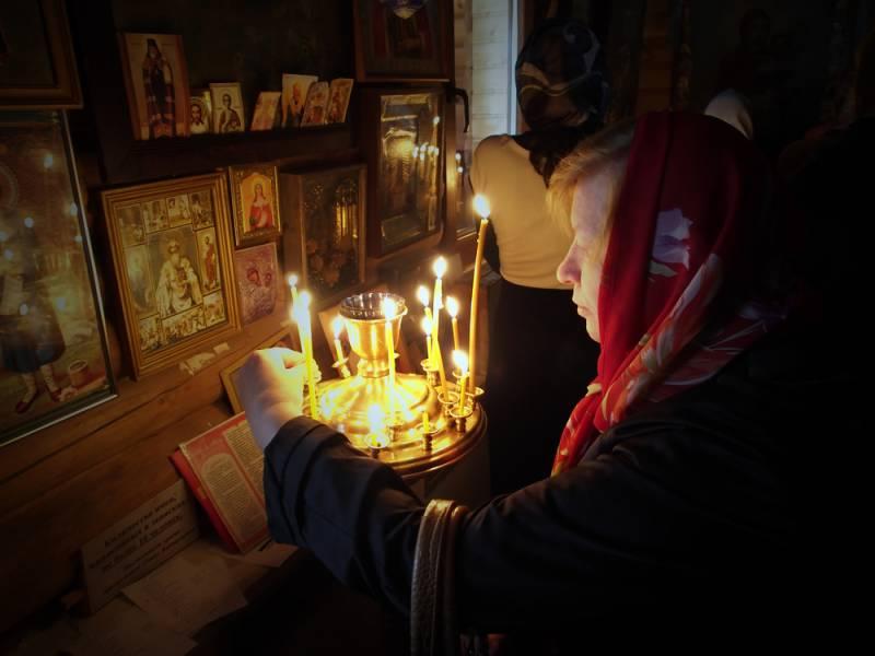 Зачем Порошенко пытается расколоть православную церковь?