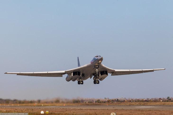 Стратегические бомбардировщики России: и Ту-160 и Ту-95