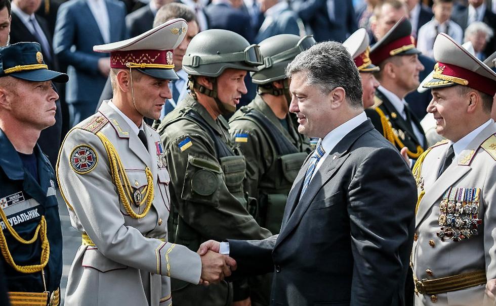 Украина разрывает оставшиеся связи с Россией. Впереди война?