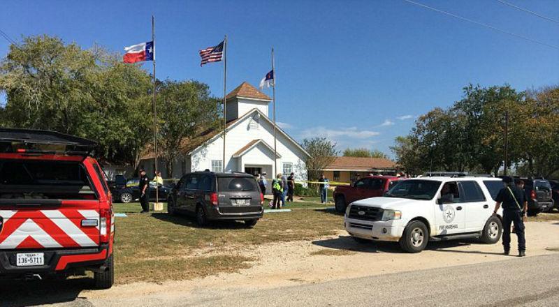 Неизвестный открыл стрельбу в техасской церкви, убиты более 20 человек