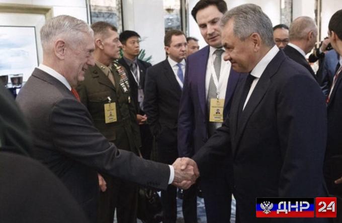 Министр обороны РФ впервые встретился с главой Пентагона