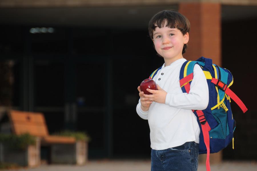 До какого возраста контролировать питание ребенка